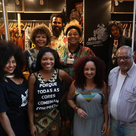 Criadores de algumas das marcas, que exaltam a história afro no Brasil Foto: Pedro Teixeira / Agência O Globo