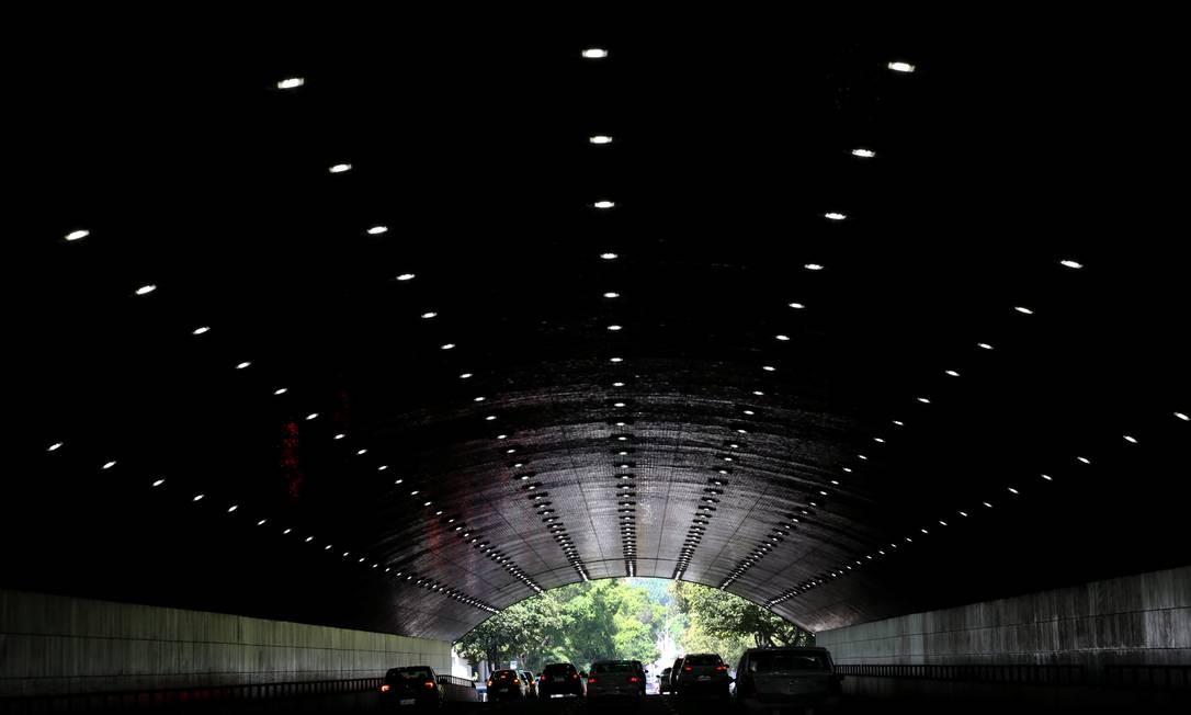 O Túnel do Pasmado, aberto em Botafogo em 1952 e, hoje, iluminado com LED Custódio Coimbra / Agência O Globo