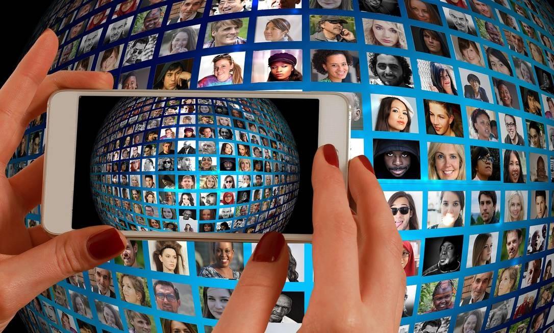 Com a alta do desemprego, mais brasileiros aderiram à rede social de negócios. A cada semana, são 100 mil novos usuários, segundo a empresa Foto: Pixabay