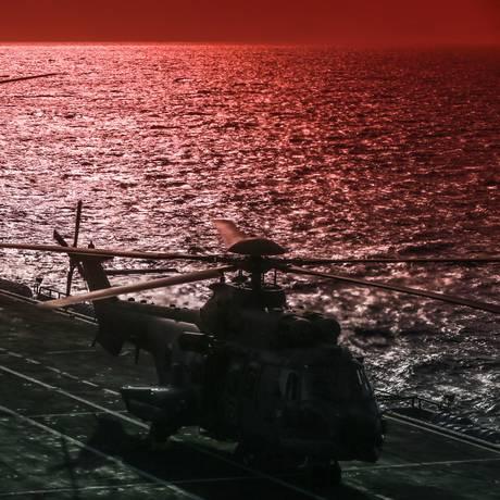 O porta-helicópteros foi comprado por 84 milhões de libras esterlinas, ou R$ 413 milhões na cotação atual Foto: Marcelo Régua / Agência O Globo