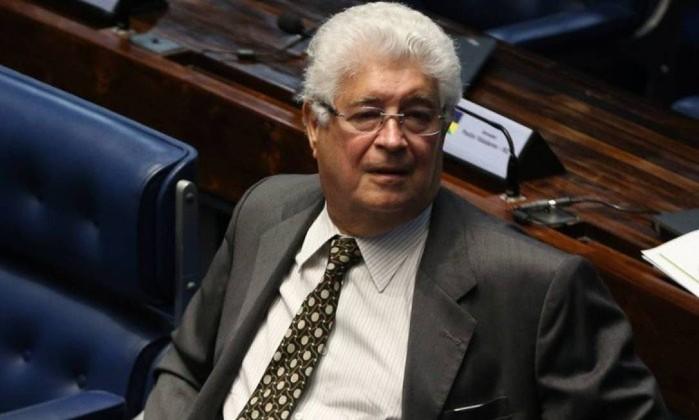 O senador Roberto Requião (MDB-PR) Foto: Ailton de Freitas / Agência O Globo