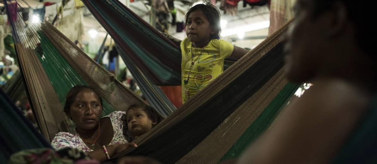 Índigenas venezuelanos em abrigo de Boa Vista, no estado brasileiro de Roraima Foto: Guito Moreto / Agência O Globo