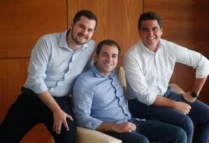 Murilo Bassora, Daniel Gomes e Nicolas Arrelalga, sócios da Nexoos: fintechs devem deter 5% do estoque de crédito do país em cinco anos Foto: Marcos Alves / Agência O Globo