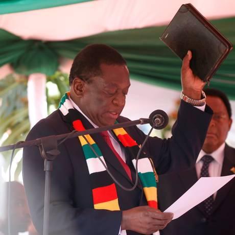Emmerson Mnangagwa na cerimônia de posse neste domingo, 26 de agosto, na capital do país, Harare Foto: PHILIMON BULAWAYO / REUTERS