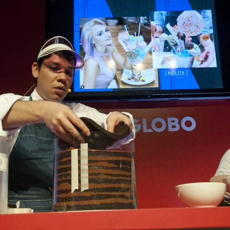 Felipe Appia ensina os segredos do bolo trufa do designer do Nolita Foto: Adriana Lorete / Agência O Globo