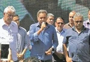 Aécio Neves começou a campanha em fazenda no interior de Minas Foto: Luis Lima