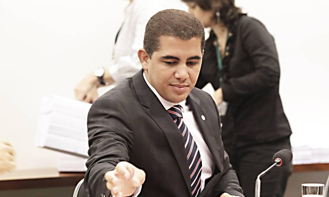 Agência Follow é de propriedade do deputado e candidato do PT ao Senado por Minas Gerais, Miguel Corrêa Foto: Jorge William / O Globo - 17-12-2013