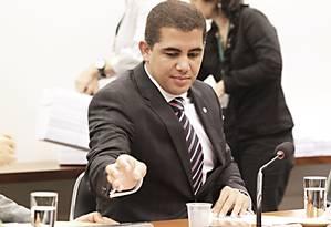 Deputado Miguel Corrêa durante sessão em comissão na Câmara Foto: Jorge William / O Globo - 17-12-2013