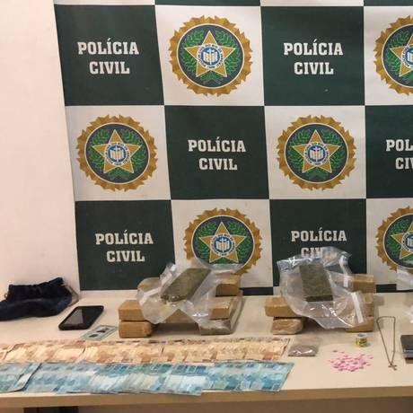 Material apreendido com suspeito na Zona Norte Foto: Divulgação/Polícia Civil