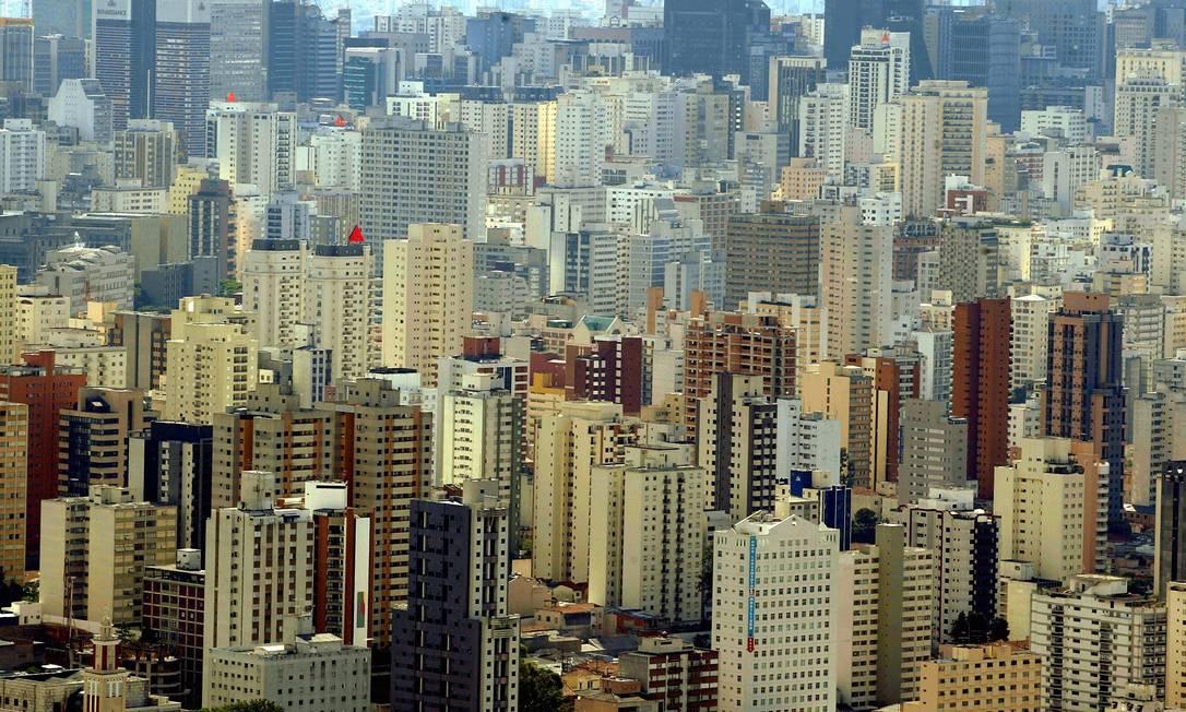No ano passado, mais de mil milionários deixaram a cidade de São Paulo para viver em outros lugares do mundo Foto: Michel Filho / Arquivo Agência O Globo