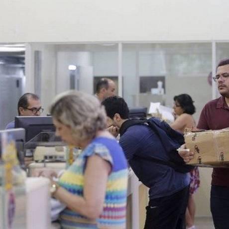 Correios cobram nova taxa Foto: Domingos Peixoto / Arquivo-Agência O Globo
