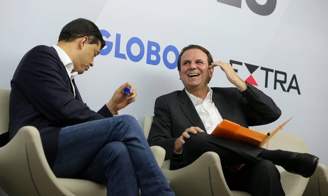 Indio da Costa e Eduardo Paes participaram do debate entre candidatos ao governo do Rio Foto: Marcia Foletto / Agência O Globo