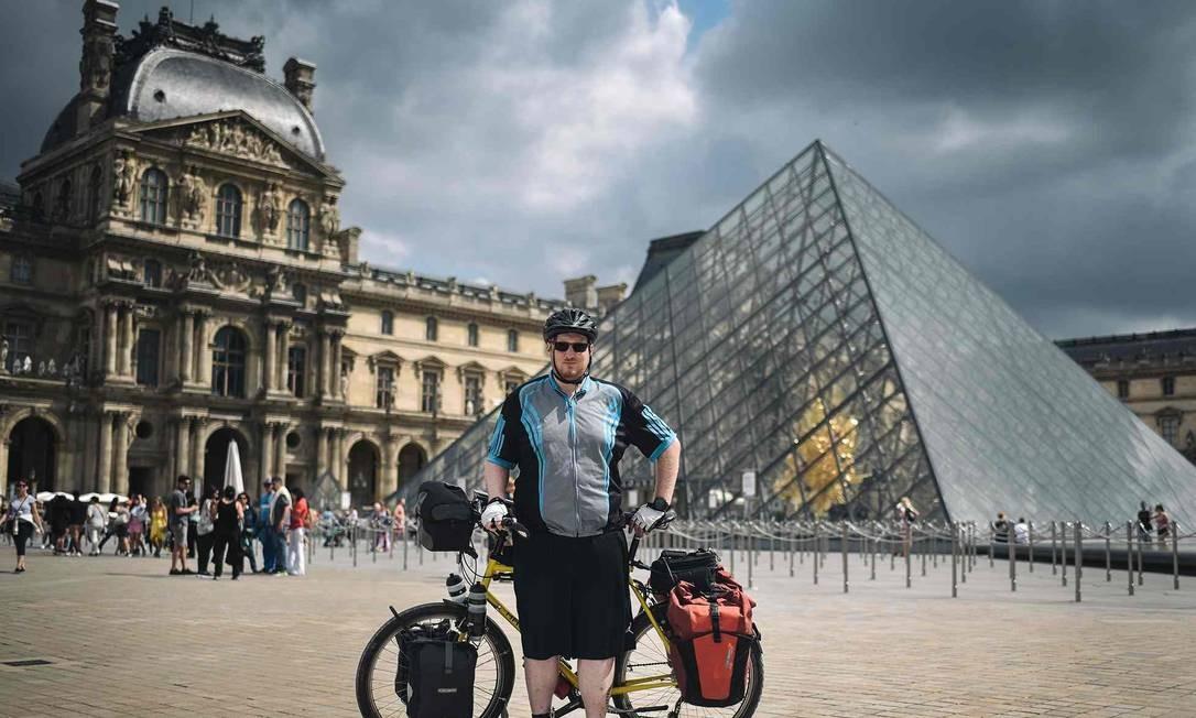 Andy, 39 anos, do Reino Unido Foto: Lucas Barioulet / AFP