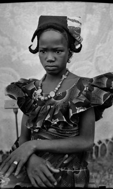 O maliano é considerado um dos precursores dos retratos de estúdio na África Divulgação/Seydou Keïta (caac– The Pigozzi Collection, Genebra) / Divulgação/Seydou Keïta (caac– The Pigozzi Collection, Genebra)