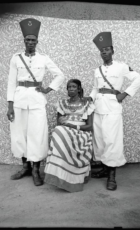 As imagens documentam um período de transformação no Mali Foto: Divulgação/Seydou Keïta (caac– The Pigozzi Collection, Genebra)