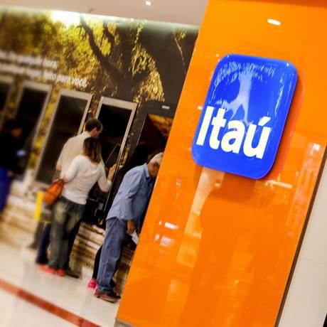 Logo do Itaú, em uma agência do banco no Rio de Janeiro Foto: Gustavo Azeredo/Agência O Globo/05-10-2017