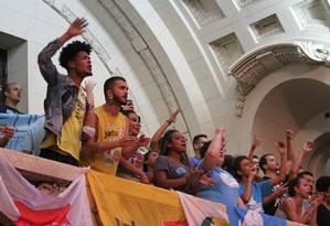 Estudantes foram à Alerj pedir aprovação do projeto de lei que garante passe livre intermunicipal a estudantes de faculdades e cursos técnicos públicos e particulares Foto: Divulgação / Alerj