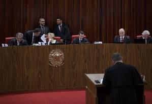 Sessão plenária do TSE Foto: Daniel Marenco / Agência O Globo