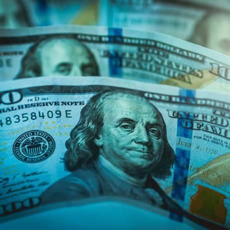 Moeda americana opera acima dos R$ 4 desde o início da semana Foto: Arquivo