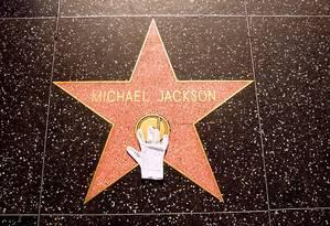 Estrela dedicada a Michael Jackson na Calçada da Fama de Hollywood, na Vine Street, em Los Angeles Foto: Visit Los Angeles / Reprodução