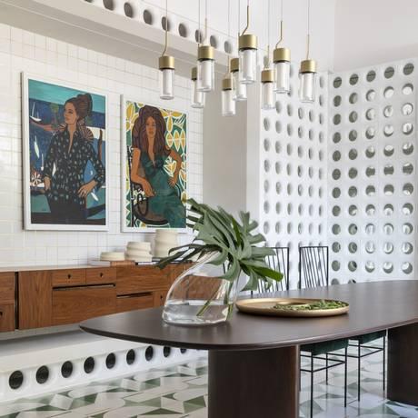 Sala de jantar de Naomi Abe no Casa Cor SP e cozinha de Paloma Yamagata Foto: divulgação / Divulgação/Evelyn Müller