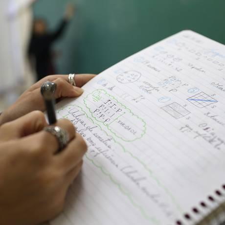 Em matemática, a proficiência média despencou de 275 para 270 pontos entre 2009 e 2017 no ensino médio Foto: Marcio Alves / Marcio Alves