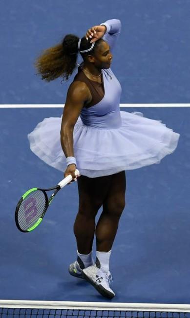 O look usado por Serena Williams nesta quarta-feira, no US Open Sarah Stier / AFP