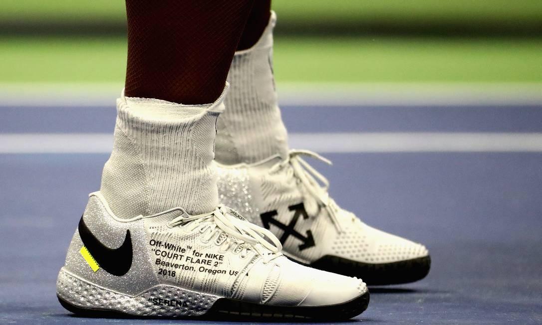 O tênis Off-White para a Nike Al Bello / Getty Images