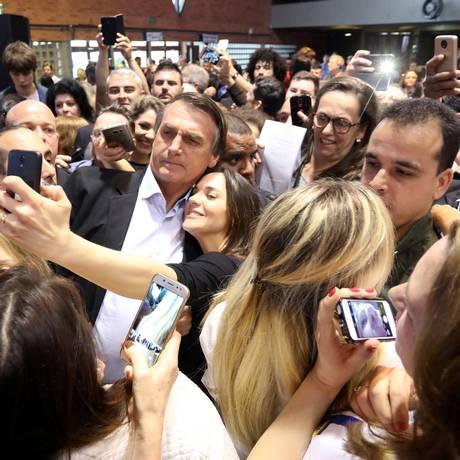 Jair Bolsonaro participa de evento com mulheres em Porto Alegre Foto: Diego Vara / Reuters