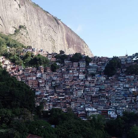 Favelas crescem, em um ano, o equivalente a um do Borel. Vista aérea da favela da Rocinha Foto: Agência O Globo