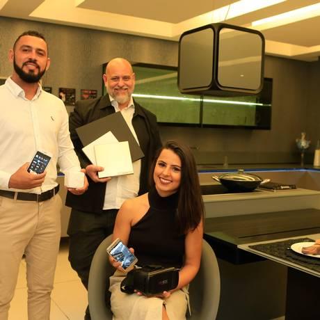 Inovação. Bruno Renan, da RM Studio (à esquerda); Angel Iglesias, da Dell Anno; e Àliqui Sodré, da Catabila Arquitetura Foto: r / Roberto Moreyra