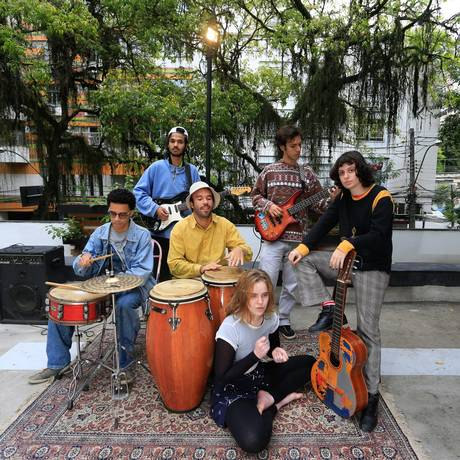 """Campo de São Bento. A banda Almoço Nu é a primeira atração a tocar no projeto """"Música no terraço"""" do CCPCM Foto: Roberto Moreyra"""