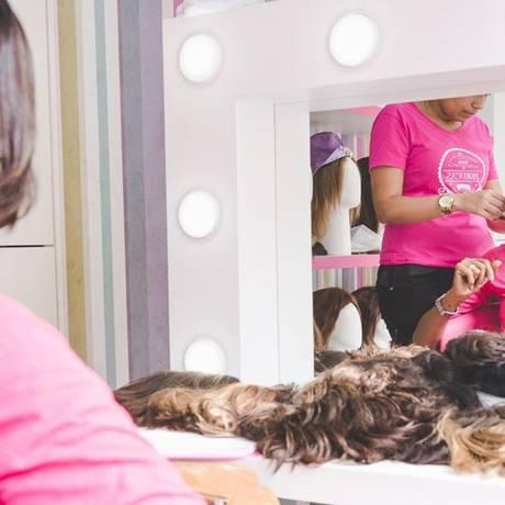 ONG. A Cabelegria foi criada para oferecer perucas a pessoas com câncer Foto: Divulgação