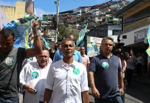 Romário visita a comunidade do Vidigal na Zona Sul do Rio na manhã de sábado Foto: Pedro Teixeira / Agência O Globo