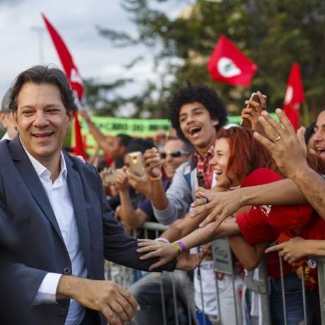 Haddad: tempo curto de exposição pode prejudicar transferência de votos de Lula Foto: Daniel Marenco / Agência O Globo