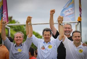 Renan Calheiros, Haddad e Renan Filho em carreata em Alagoas Foto: Ricardo Stuckert / Reprodução Facebook