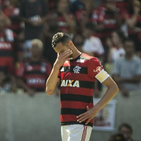 Réver não esconde o desânimo na derrota do Flamengo para o Ceará Foto: Guito Moreto / Agência O Globo