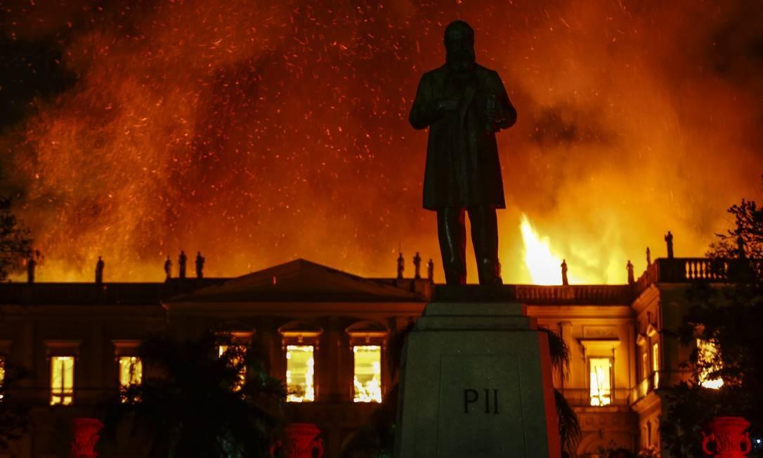 Quando o incêndio começou, o museu já havia fechado para visitação. Apenas quatro vigilantes estavam no prédio Uanderson Fernandes / Agência O Globo