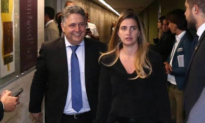 O ex-governador Anthony Garotinho (PRP) e sua filha, a deputada Clarissa Garotinho (PROS) Foto: Ailton de Freitas / Agência O Globo