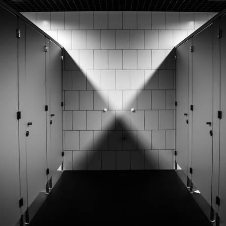 Mais de 26 mil pessoas já foram filmadas sem consentimento em locais como banheiros públicos Foto: Pixabay