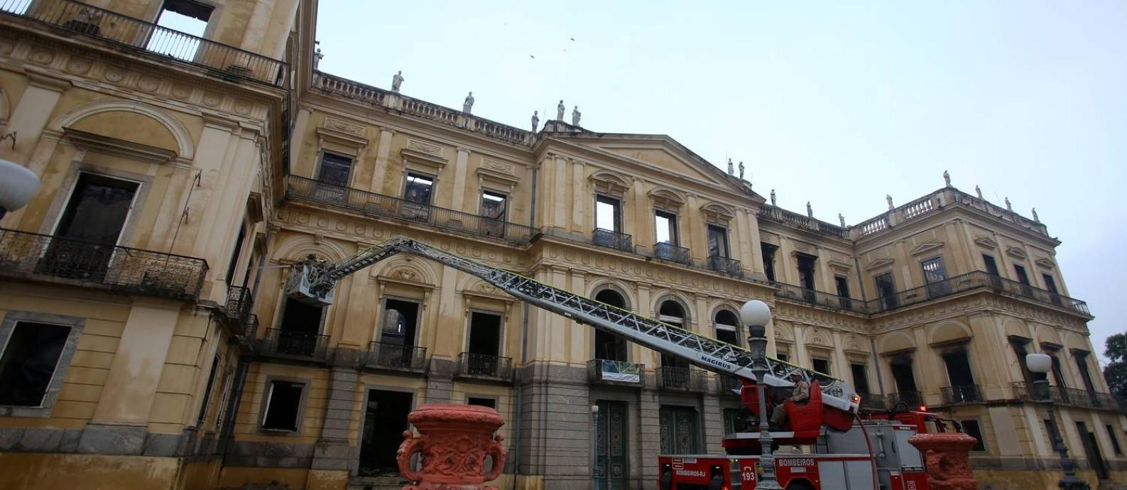 O Museu Nacional foi consumido pelas chamas Foto: Fabio Gonçalves / Agência O Globo