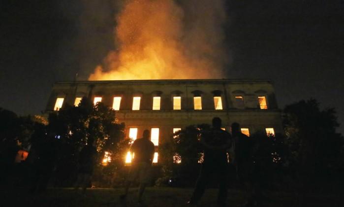 O incêndio que atingiu o Museu Nacional, no Rio de Janeiro, no dia 02 de setembro Foto: Fabio Gonçalves / Agência O Globo