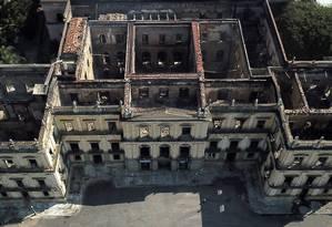 O prédio do Museu Nacional, visto do alto, após o incêndio do último domingo, dia 2 de setembro Foto: Custódio Coimbra / Agência O Globo
