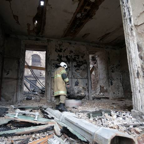 Escombros do Museu Nacional, destruído após incêndio Foto: Marcio Alves / Agência O Globo