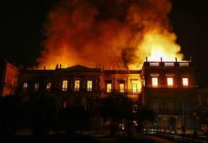 O Museu Nacional em chamas Foto: Uanderson Fernandes / Agência O Globo