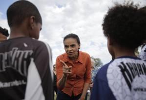 A candidata da Rede à Presidência, Marina Silva, em visita a projeto social em São Gonçalo Foto: Alexandre Cassiano / Agência O Globo