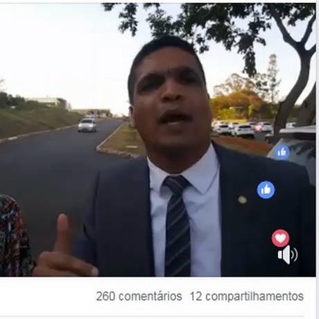 Cabo Daciolo (Patriotas) defendeu o voto impresso em transmissão pelo Facebook Foto: Reprodução/Facebook