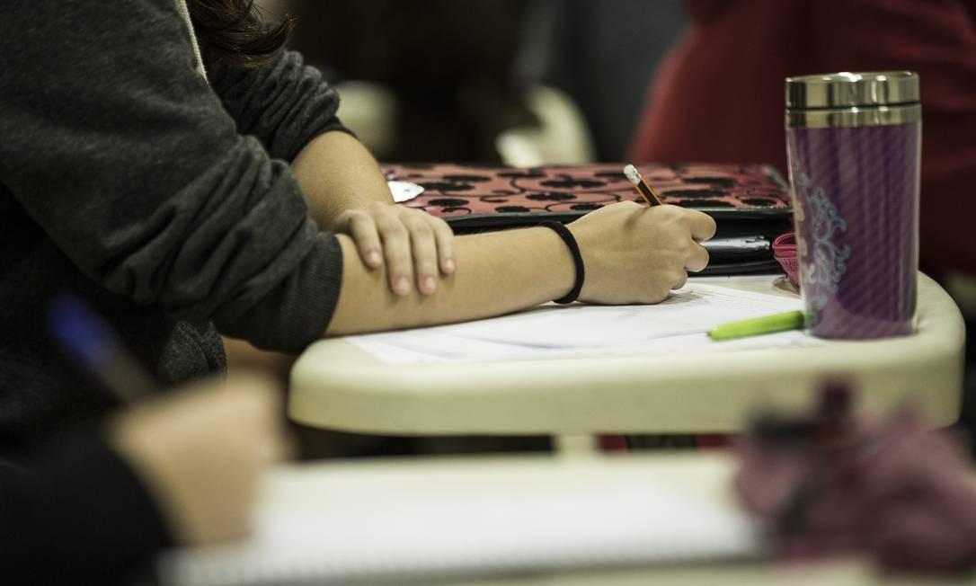 Ideb passou a ser aplicado de maneira censitária no ensino médio somente no ano passado Foto: Guito Moreto / Agência O Globo