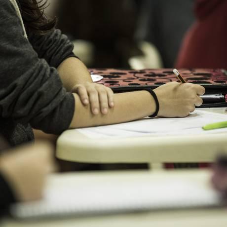 Estudantes se preparam para a prova de Linguagens Foto: Guito Moreto / Agência O Globo