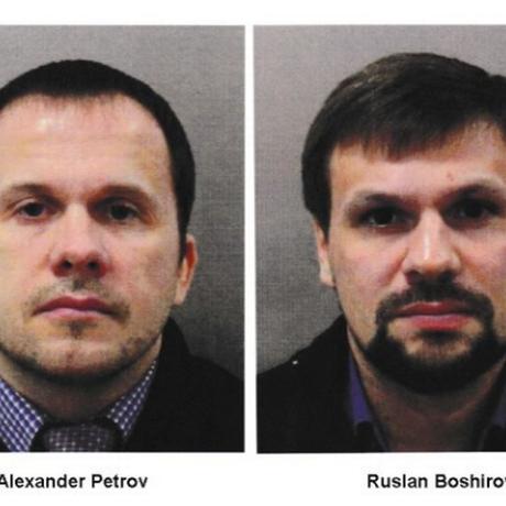 Os suspeitos Alexandre Petrov e Ruslan Boshirov: polícia britânica diz ter